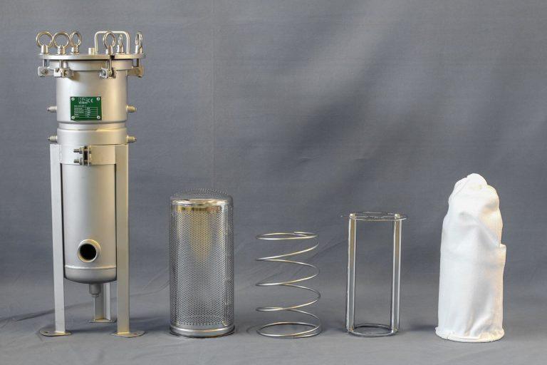 Bag filter restrainer basket magnetic bars filter bag