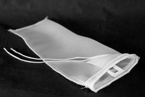 Filter bag with string