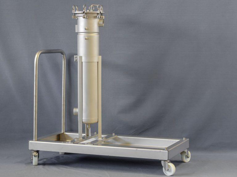 Mobile filtration system bag filter housing